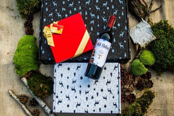 Zestaw wino i bombonierka / święta 2021